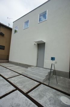 Exterior02.jpg