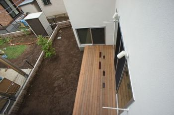 Exterior05.jpg